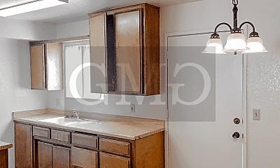 Kitchen, 811 E Menlo Ave, 0