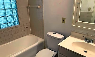 Bathroom, 1431 S 76th St, 2