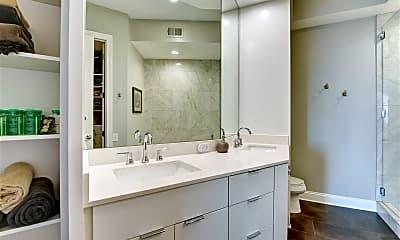 Bathroom, 717 Riverside Dr, 2