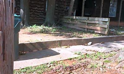 Building, 517 W Phillips St, 2