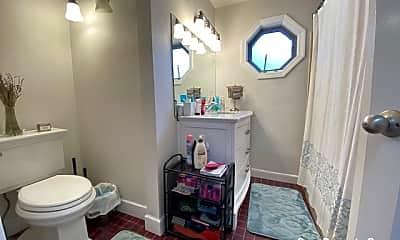 Bathroom, 536 E 4th St, 2