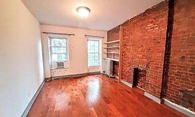Living Room, 522 Putnam Ave, 2