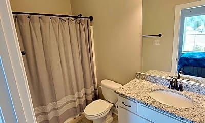 Bathroom, 400 Mangrove Ln, 2