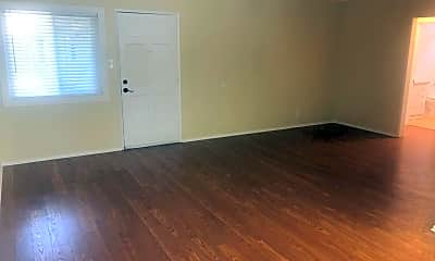 Living Room, 2420 E 5th St, 0