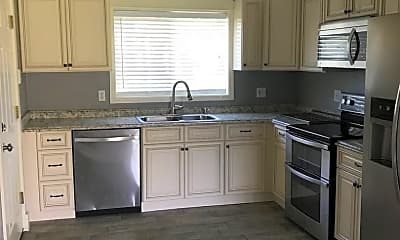 Kitchen, 132 W Suwannee Ln, 1