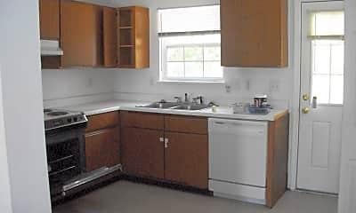 Kitchen, 100 Live Oak Ct, 1