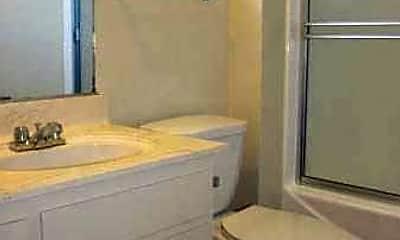 Bathroom, Magnolia II, 2