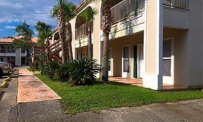 Martinique Apartments, 2