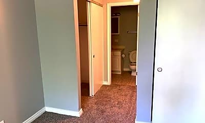 Bedroom, 1005 State St, 1