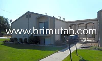Building, 294 100 E, 0