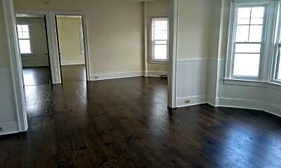 Living Room, 3113 Delaware Ave, 1