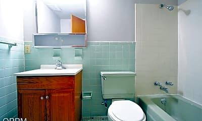 Bathroom, 3833 Cuming St, 2