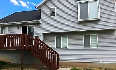 Building, 934 E 490 N, 2