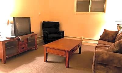 Living Room, 504 S Washington St, 2