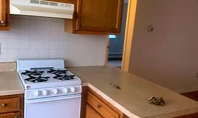 Kitchen, 73 Park Ave W, 2