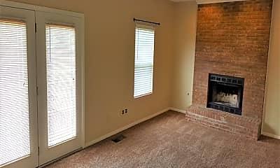 Living Room, 6687 Raven Crest, 1