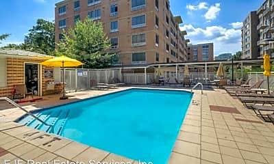 Pool, 355 I St SW, 1