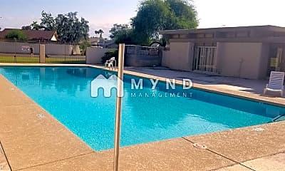 Pool, 944 S Valencia, 1