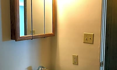 Bathroom, 1341 8th Ave N, 2