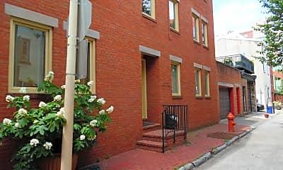Building, 220 S Sartain St, 1