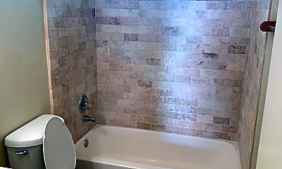 Bathroom, 601 Kirk Ave, 2