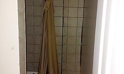 Bathroom, 439 S 9th St 1, 2