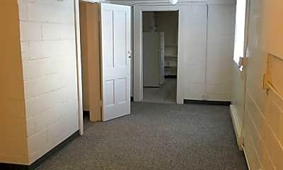 Building, 206 W Washington St, 1