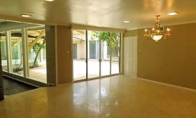 Building, 4901 21st St, 1
