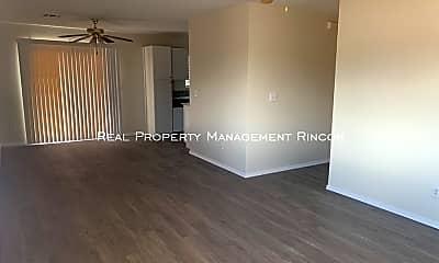 Living Room, 4192 E Market St, 1