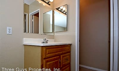 Bathroom, 4115 Cherokee Ave, 1