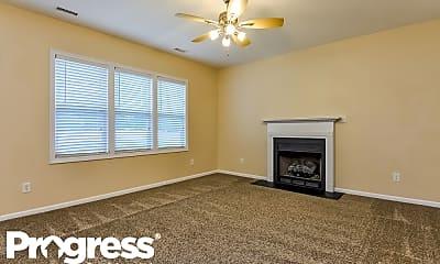 Living Room, 82 Willowbrook Cir, 1