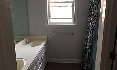 Bathroom, 11320 Charlotte View Dr, 2