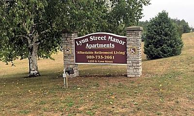 Lynn Street Manor, 1