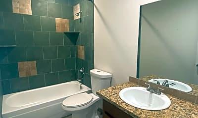 Bathroom, 1907 Pecan St, 2