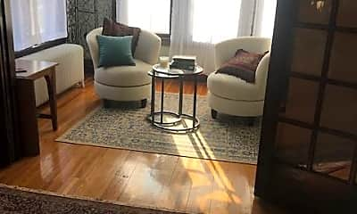 Living Room, 1583 Laurel Ave #4, 1