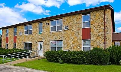 Building, Stonebrook of West College Corner, 1