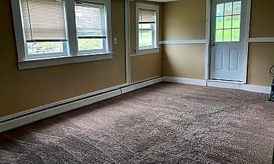 Living Room, 14 Laurel St, 2