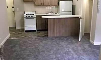 Living Room, 1118 Commonwealth Avenue, 2