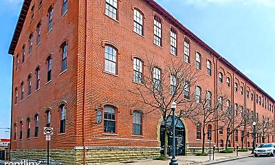 Building, 544 S Front St, 2