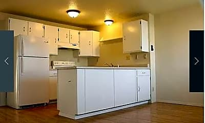 Kitchen, Cleveland & Townpark Townhomes, 1
