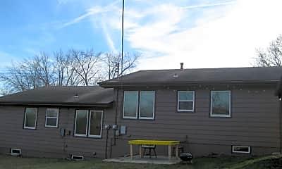 Building, 720 Woodside Dr, 1