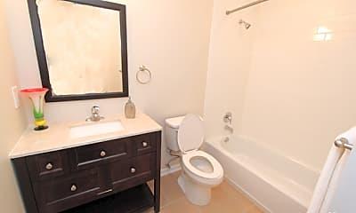Bathroom, 1129 W Ashby Pl 16, 1