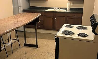 Kitchen, 920 S 7th St, 1