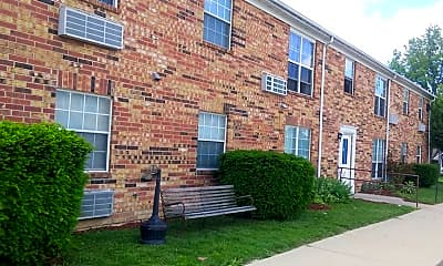 Building, Village Apartments of Summitville, 0