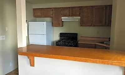 Kitchen, 4001 Myrtle Ave, 1