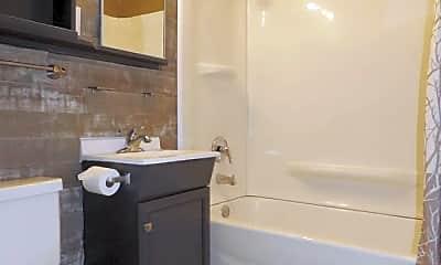 Bathroom, 1315 N Bois D'Arc Ave, 2