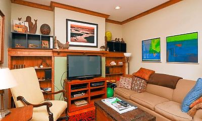 Living Room, 1242 W Rosedale Ave, 0