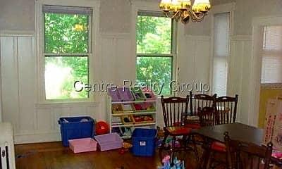 Living Room, 674 Centre St, 1