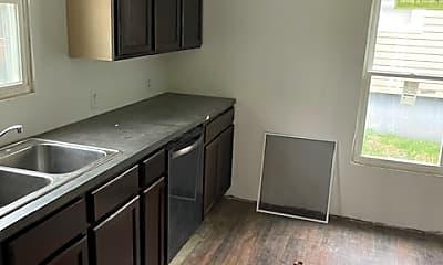 Kitchen, 556 Baxter Ct, 1