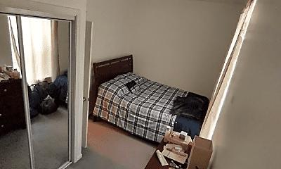 Bedroom, 1008 N Hoyne Ave, 2